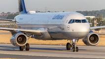 D-AISB - Lufthansa Airbus A321 aircraft