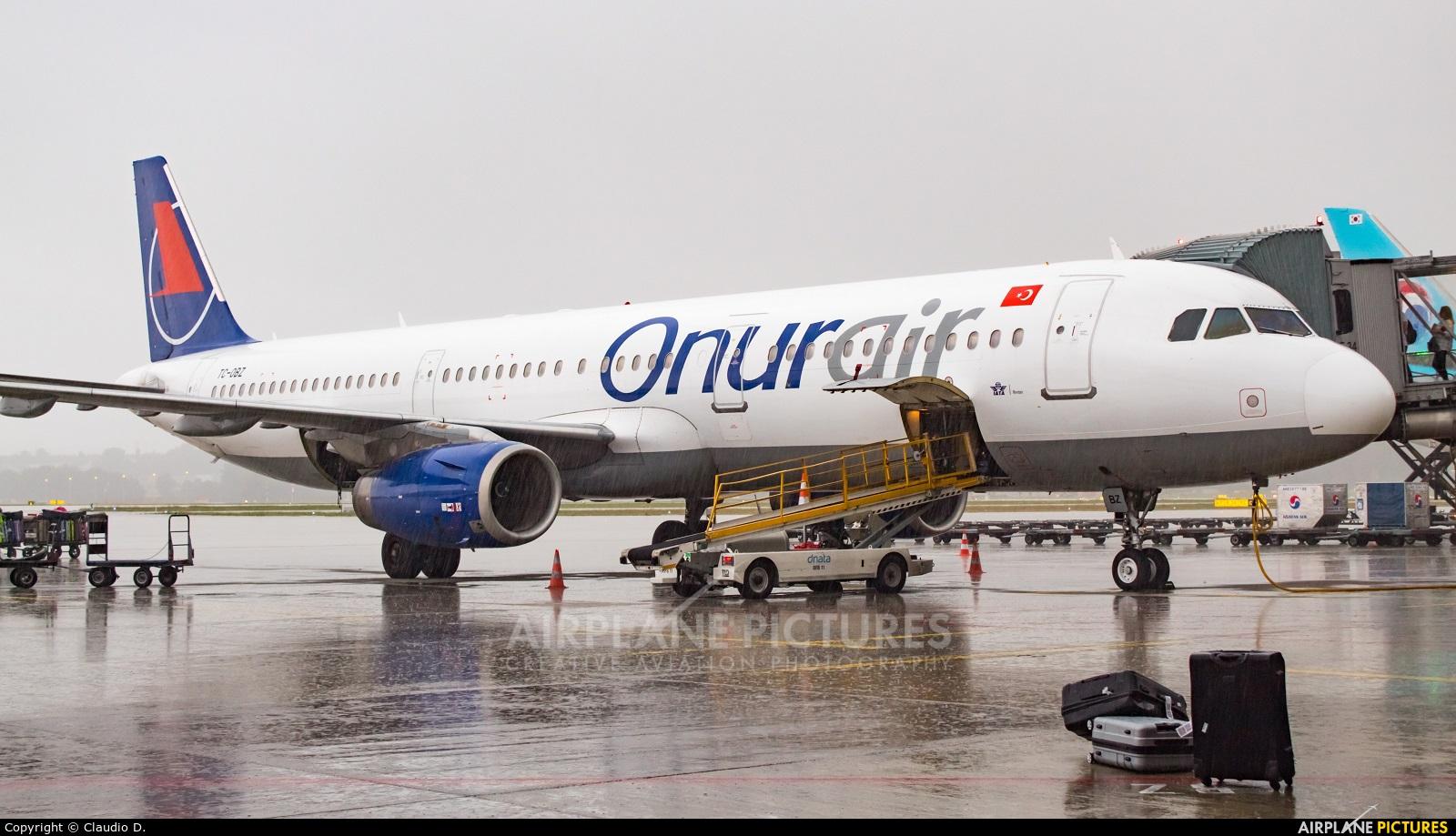 Onur Air TC-OBZ aircraft at Zurich