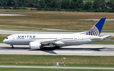 N28912 - United Airlines Boeing 787-8 Dreamliner