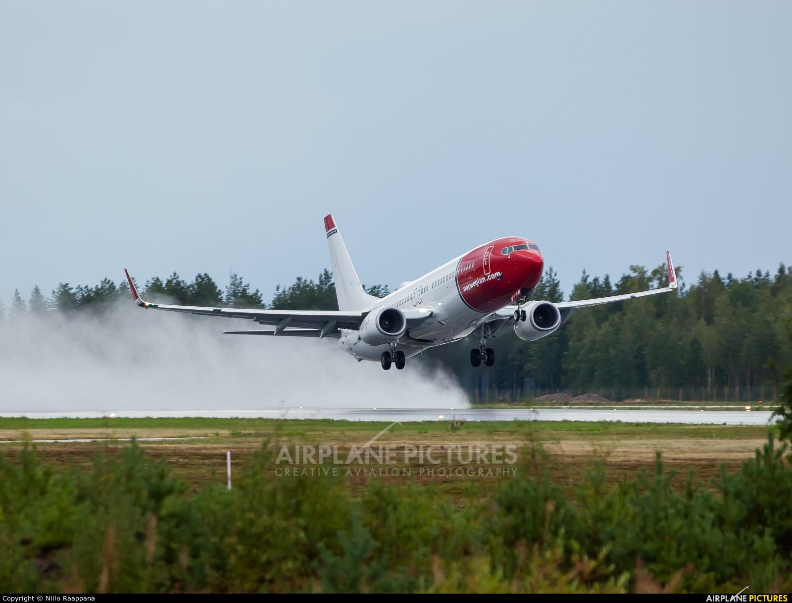 Norwegian Air International EI-FJN aircraft at Oulu