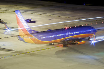 N8316H - Southwest Airlines Boeing 737-800
