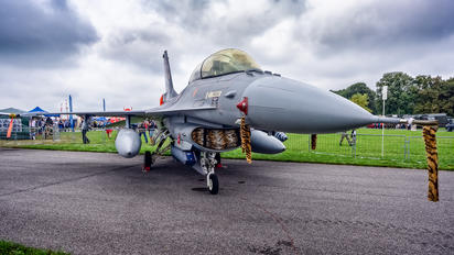 J-882 - Netherlands - Air Force General Dynamics F-16B Fighting Falcon