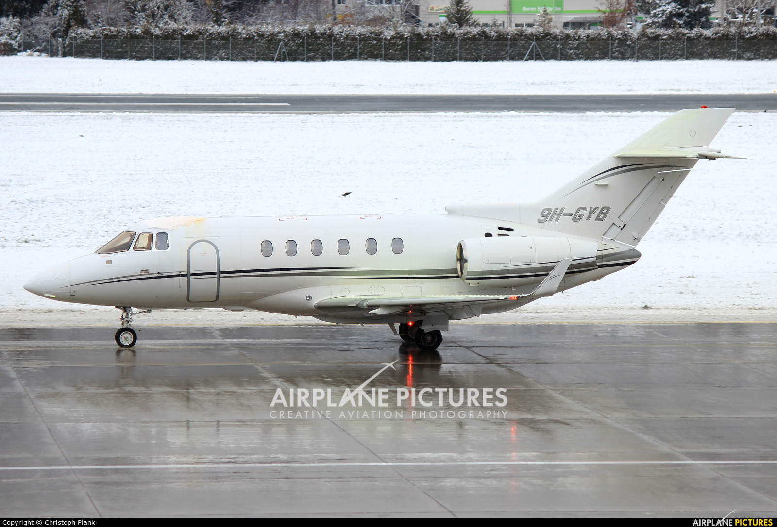 Comlux Aviation 9H-GYB aircraft at Innsbruck