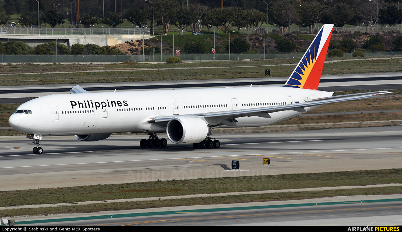 Philippines Airlines RP-C7773 aircraft at Los Angeles Intl