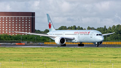 C-FRSI - Air Canada Boeing 787-9 Dreamliner