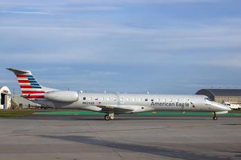 N624AE - American Eagle Embraer EMB-145