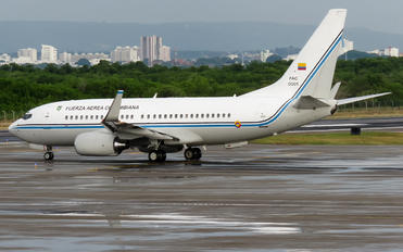 FAC0001 - Colombia - Air Force Boeing 737-700 BBJ