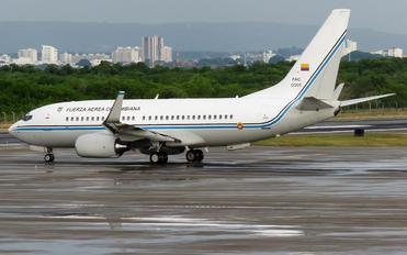 FAC0001 - Colombia - Air Force Boeing 737-700 BBJ