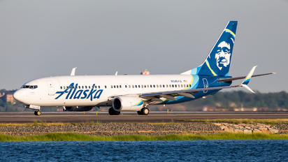 N596AS - Alaska Airlines Boeing 737-800