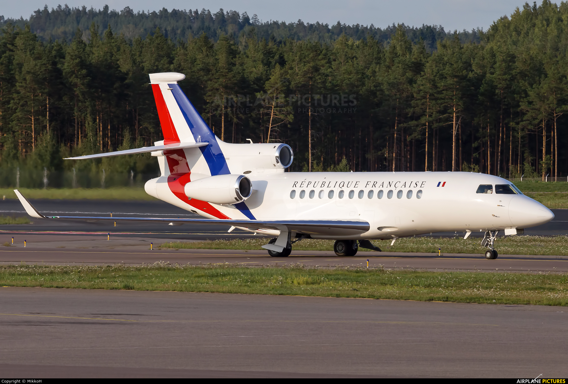 f rafb france air force dassault falcon 7x at helsinki vantaa