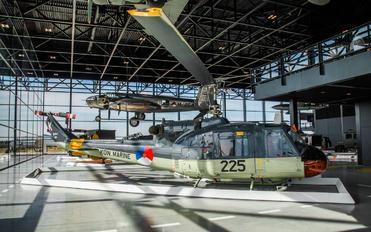 225 - Netherlands - Navy Agusta / Agusta-Bell AB 204