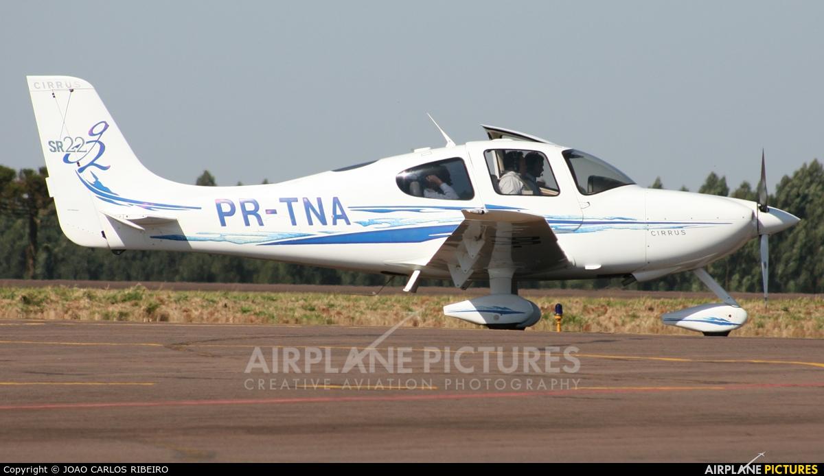 Private PR-TNA aircraft at Municipal Airport Cascavel