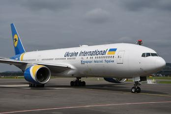 2-AERC - Ukraine International Airlines Boeing 777-200ER