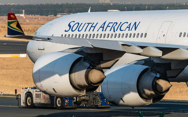 ZS-SNF - South African Airways Airbus A340-600