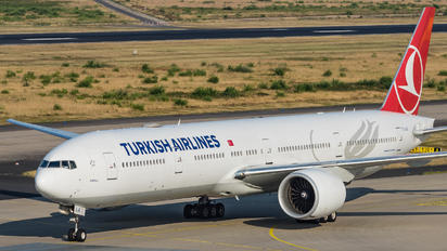 TC-LJE - Turkish Airlines Boeing 777-31H(ER)