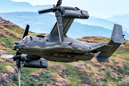 #1 USA - Air Force Bell-Boeing CV-22B Osprey 12-0065 taken by chippyho