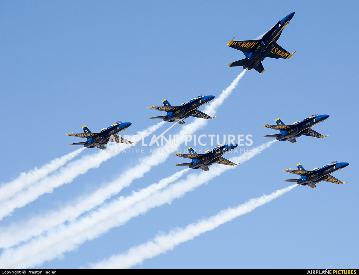 USA - Navy : Blue Angels 163766 aircraft at Seattle - Boeing Field / King County Intl
