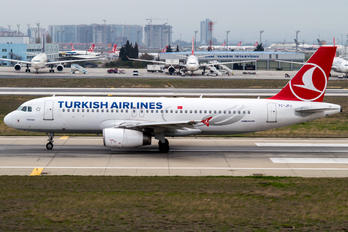 TC-JPJ - Turkish Airlines Airbus A320