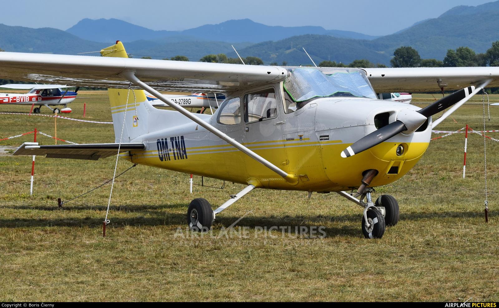 Aeroklub Trenčín OM-TNA aircraft at Dubnica nad Vahom - Slavnica