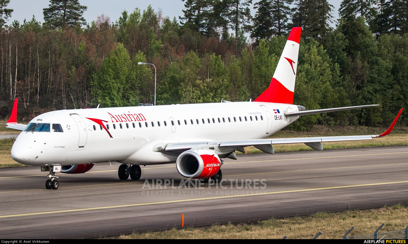 Austrian Airlines/Arrows/Tyrolean OE-LWL aircraft at Stockholm - Arlanda