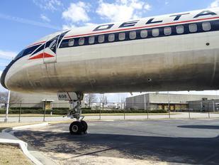 N608DA - Delta Air Lines Boeing 757-200