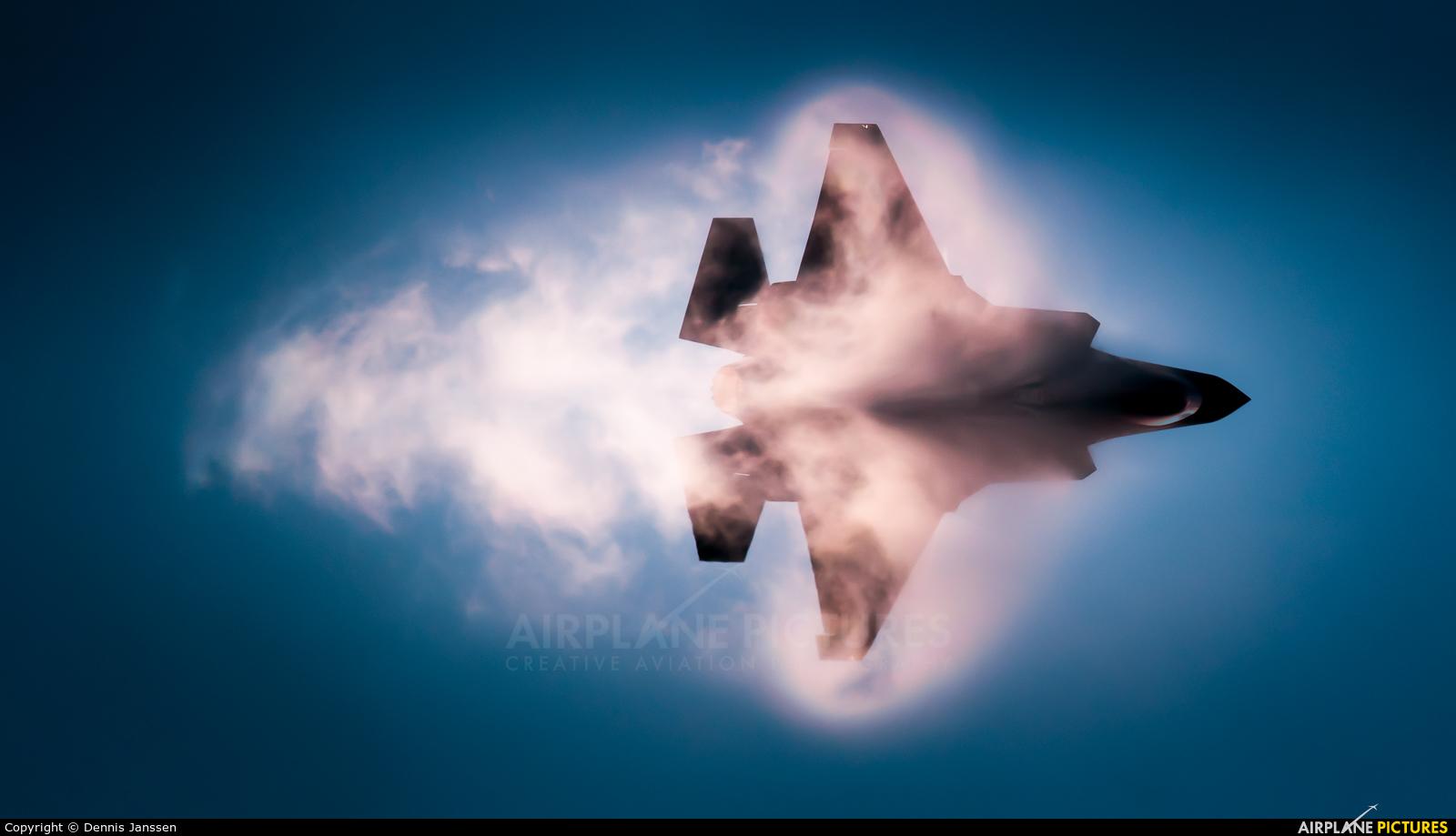 USA - Air Force 15-5125 aircraft at Fairford