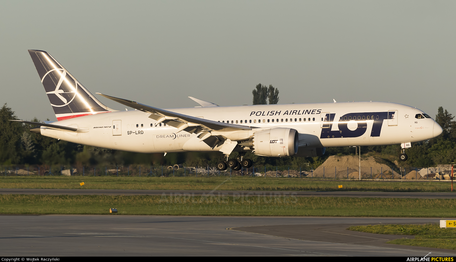 LOT - Polish Airlines SP-LRD aircraft at Warsaw - Frederic Chopin