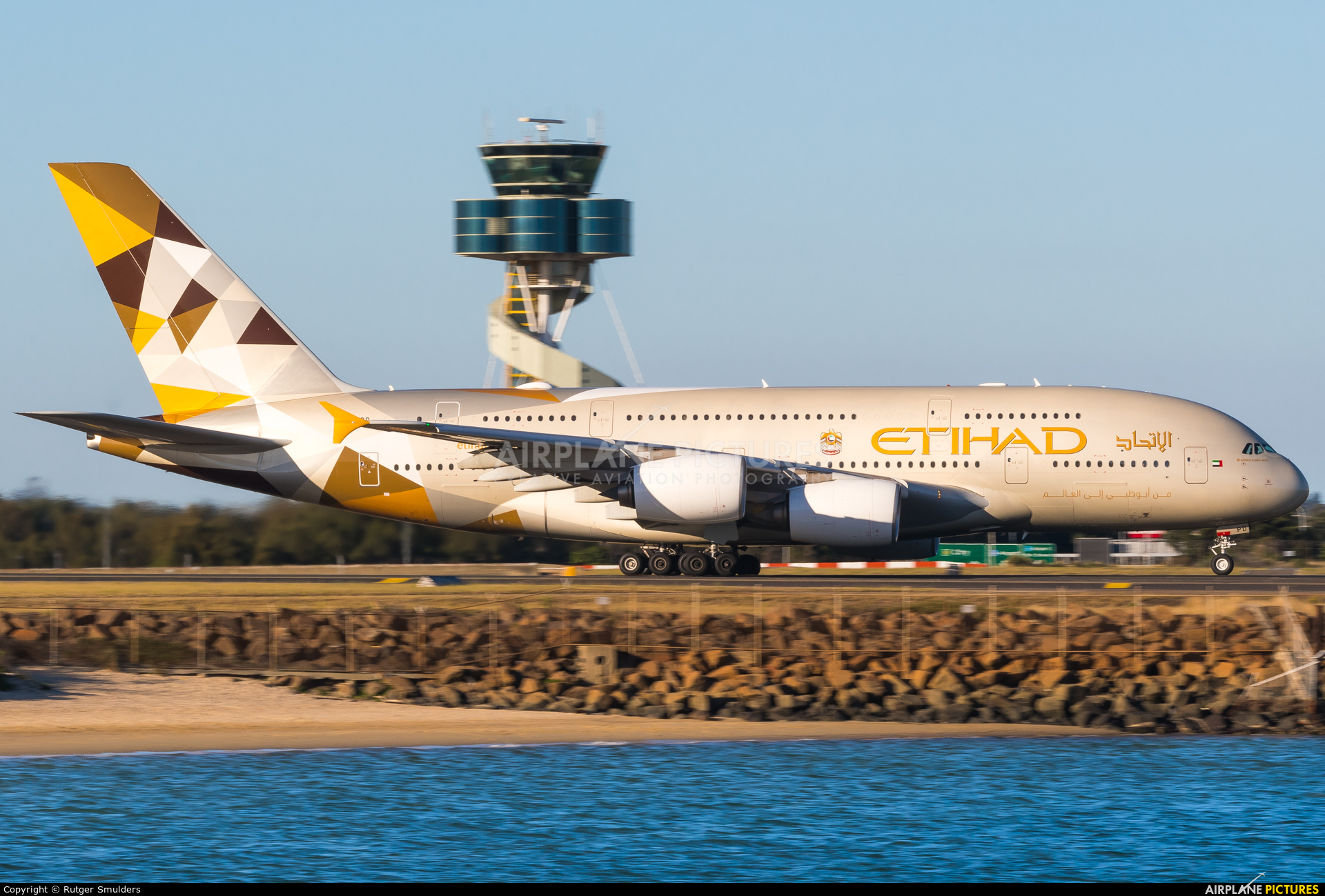 Etihad Airways A6-APD aircraft at Sydney - Kingsford Smith Intl, NSW