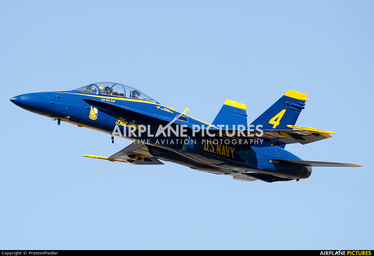 USA - Navy : Blue Angels 163464 aircraft at Seattle - Boeing Field / King County Intl