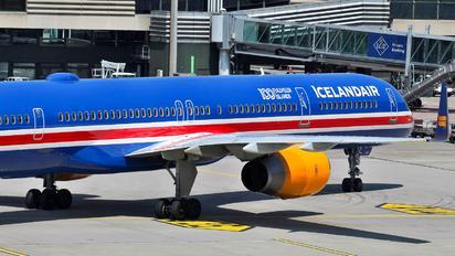 TF-ISX - Icelandair Boeing 757-300