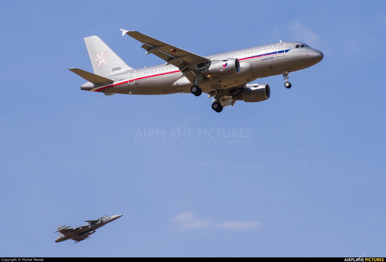 Czech - Air Force 3085 aircraft at Prague - Václav Havel