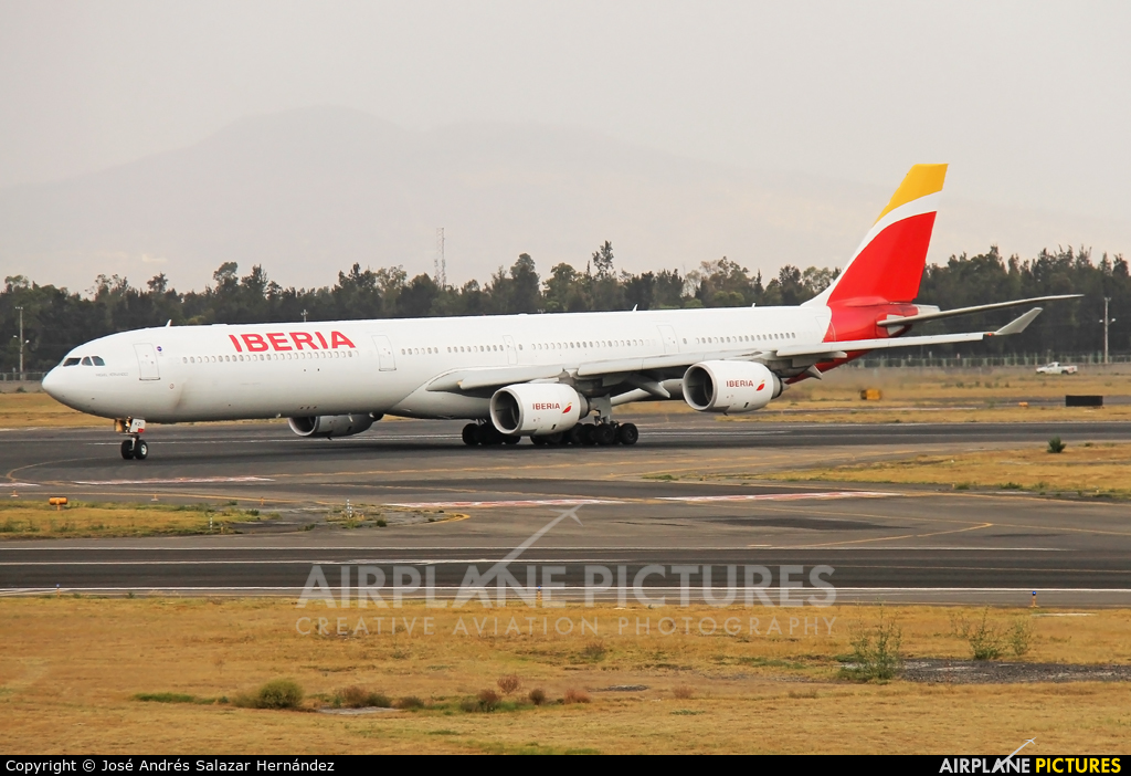 Iberia EC-IZY aircraft at Mexico City - Licenciado Benito Juarez Intl
