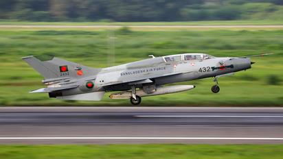 2432 - Bangladesh - Air Force Chengdu F-7BG