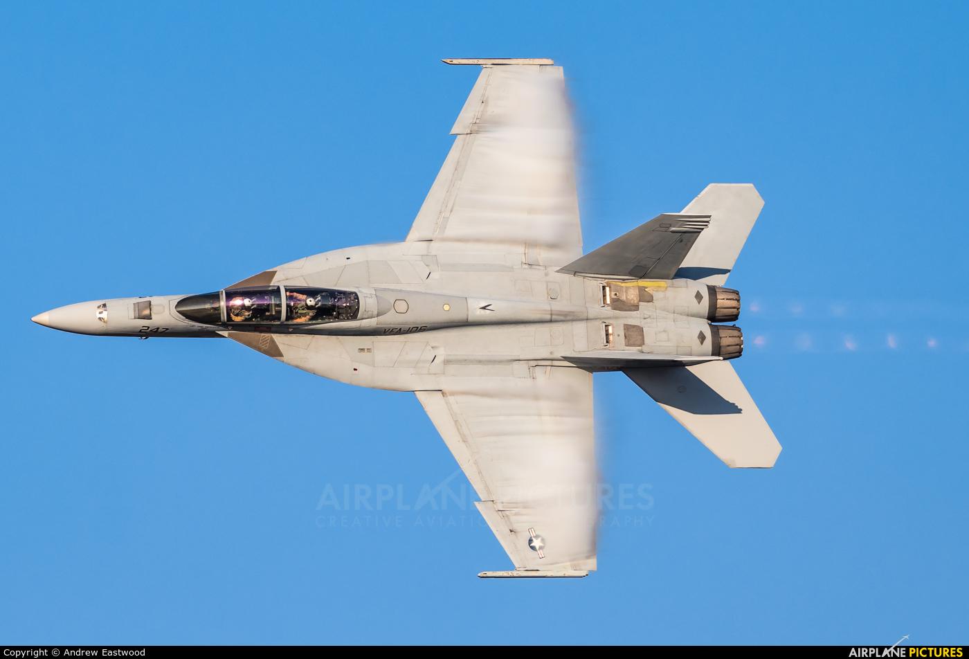 USA - Navy 166467 aircraft at London  Intl, ON