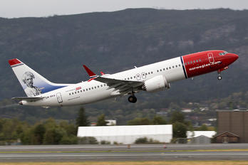 LN-BKB - Norwegian Air Shuttle Boeing 737-8 MAX