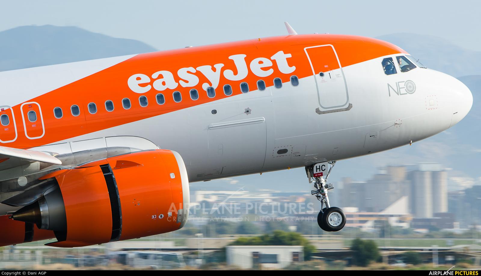easyJet G-UZHC aircraft at Málaga