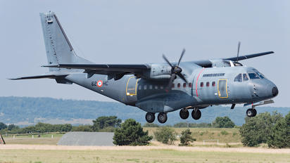 195 - France - Air Force Casa CN-235M