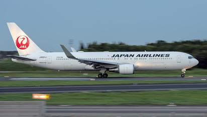 JA621J - JAL - Japan Airlines Boeing 767-300ER