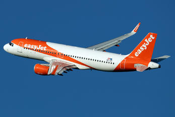 OE-IZF - Easy Jet Airbus A320