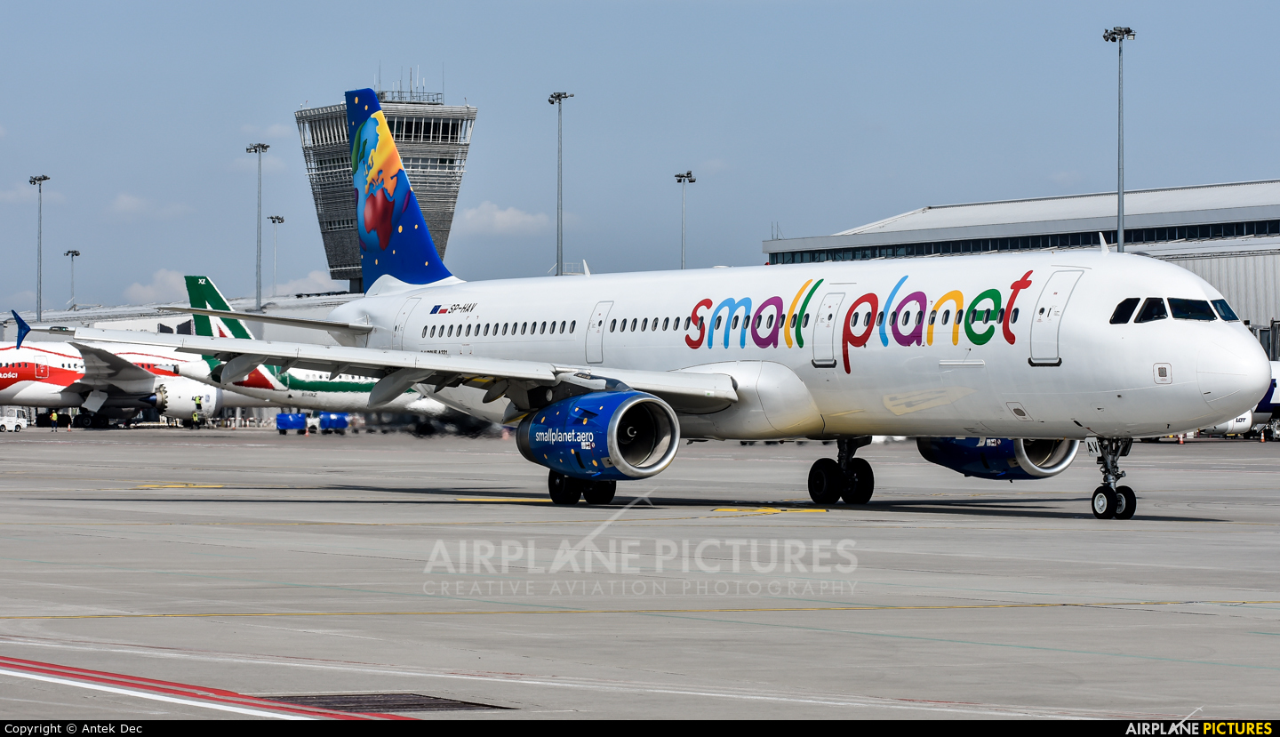 Small Planet Airlines SP-HAV aircraft at Warsaw - Frederic Chopin