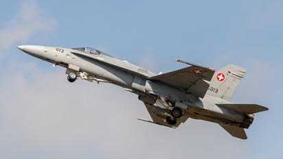 J-5013 - Switzerland - Air Force McDonnell Douglas F/A-18C Hornet