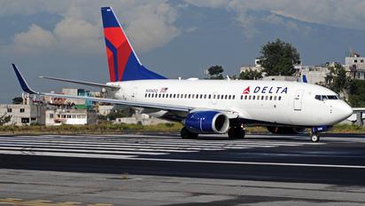 N306DQ - Delta Air Lines Boeing 737-700