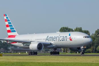 N782AN - American Airlines Boeing 777-200ER
