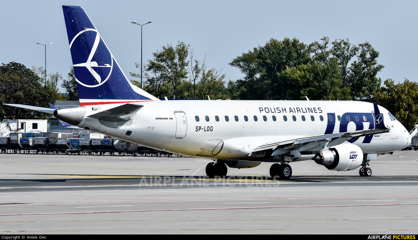 LOT - Polish Airlines SP-LDG aircraft at Warsaw - Frederic Chopin