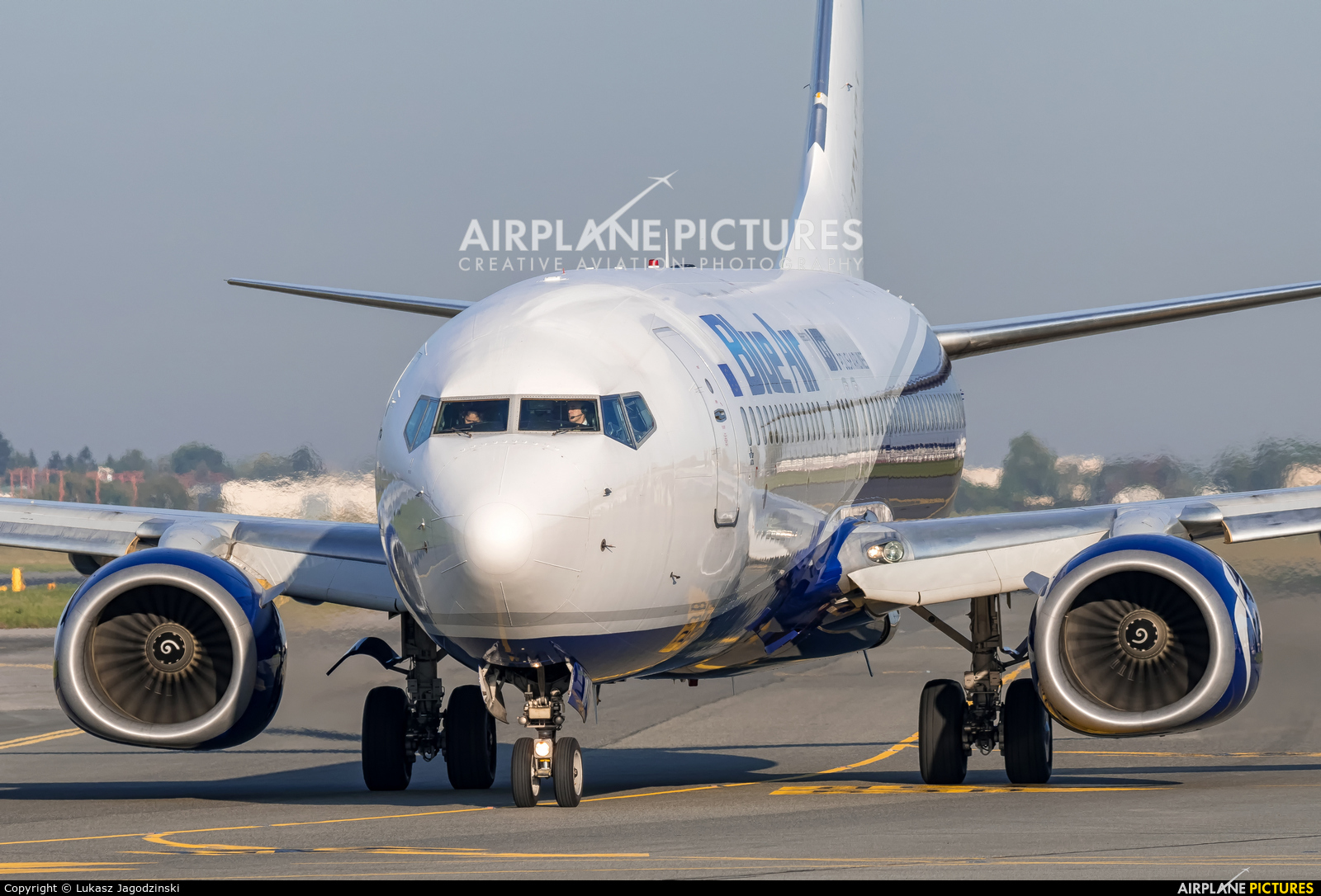 Blue Air YR-BMJ aircraft at Warsaw - Frederic Chopin