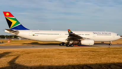 ZS-SXK - South African Airways Airbus A330-300