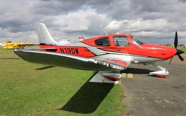 N19DW - Private Cirrus SR-22 -GTS