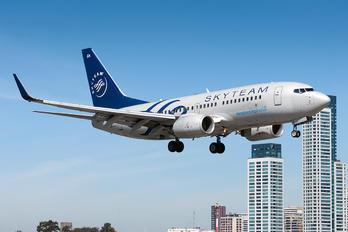 LV-BZA - Aerolineas Argentinas Boeing 737-700