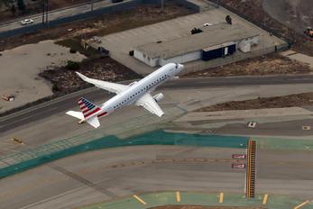 N203NN - American Eagle Embraer ERJ-175 (170-200)
