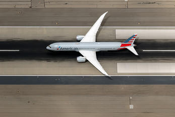 N822AN - American Airlines Boeing 787-9 Dreamliner